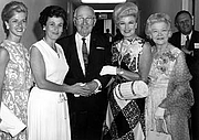 Forfatter foto. Former President Harry S. Truman (center) with Ginger Rogers (second from the right) and her mother, Lela Rogers (right) at the Truman Library in Independence, Missouri. The two women at left are unidentified. (trumanlibrary.org)