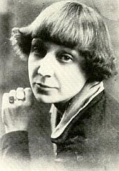 "Autoren-Bild. From <a href=""http://en.wikipedia.org/wiki/Image:Tsvetaeva.jpg"">Wikimedia Commons</a>"