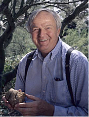 Författarporträtt. Paul S Martin, Geoscientist responsible for theory that overhunting caused megafauna extinctions