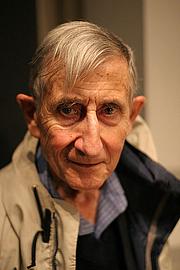 Kirjailijan kuva. Freeman Dyson Photo from Long Now Seminar, San Francisco, October 05, 2005