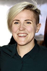 """Forfatter foto. Internet personality and author Hannah Hart at the 2019 Texas Book Festival in Austin, Texas, United States. By Larry D. Moore, CC BY-SA 4.0, <a href=""""https://commons.wikimedia.org/w/index.php?curid=84666749"""" rel=""""nofollow"""" target=""""_top"""">https://commons.wikimedia.org/w/index.php?curid=84666749</a>"""
