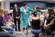 """Fotografia de autor. U.S. Supreme Court Justice Sonia Sotomayor greets fans during a walking Q&A session at the National Book Festival Main Stage, September 1, 2018. Photo by Shawn Miller/Library of Congress By Library of Congress Life - 20180901SM1116.jpg, CC0, <a href=""""https://commons.wikimedia.org/w/index.php?curid=83102534"""" rel=""""nofollow"""" target=""""_top"""">https://commons.wikimedia.org/w/index.php?curid=83102534</a>"""