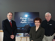 "Foto do autor. Bruce Steadman, Marian Calabro, and Dennis Doyle at the PARC book launch By Marian Calabro - Marian Calabro, GFDL, <a href=""https://commons.wikimedia.org/w/index.php?curid=11111533"" rel=""nofollow"" target=""_top"">https://commons.wikimedia.org/w/index.php?curid=11111533</a>"
