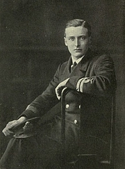 Foto do autor. Image from <b><i>With the Flying Squadron: Being the War Letters of the Late Harold Rosher to His Family</i></b> (1916)
