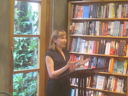 """Kirjailijan kuva. Octavia Books, Uptown New Orleans: Author Sheila Heti reads from and discusses her book """"How Should a Person Be?"""" By Infrogmation of New Orleans - Photo by Infrogmation of New Orleans, CC BY-SA 3.0, <a href=""""//commons.wikimedia.org/w/index.php?curid=26965546"""" rel=""""nofollow"""" target=""""_top"""">https://commons.wikimedia.org/w/index.php?curid=26965546</a>"""
