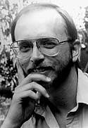 Kirjailijan kuva. Taken from  http://en.wikipedia.org/wiki/Image:Authorscottcunningham.jpg