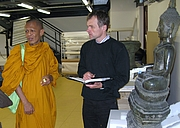 Fotografia de autor. Dr. Christian Schicklgruber with a Thai Monk in the depository of the Museum für Völkerkunde in Vienna (May 2008) [picture by John D. Marshall].