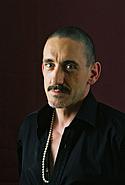 "Kirjailijan kuva. Courtesy of <a href=""http://www.serpentstail.com"">Serpent's Tail Press</a>"