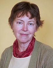 Kirjailijan kuva. Lesley Chamberlain