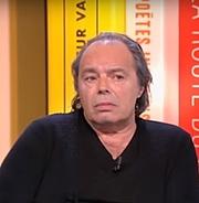 Författarporträtt. Philippe Djian le 17 mars 2017 dans l'émission littéraire TV 'La grande librairie' présentant son dernier ouvrage «Marlène»