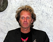 "Fotografia de autor. Wikipedia Commons user <a href=""http://commons.wikimedia.org/wiki/User:Tsemii"">Teemu Rajala</a>"