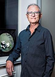 Författarporträtt. José Frèches en 2017