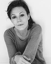 Kirjailijan kuva. Helen McCrory
