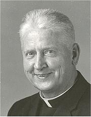 Författarporträtt. Photograph of Fr. Walter J. Ciszek, SJ.