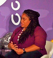 """Autoren-Bild. reading at National Book Festival By Slowking4 - Own work, GFDL 1.2, <a href=""""https://commons.wikimedia.org/w/index.php?curid=62180020"""" rel=""""nofollow"""" target=""""_top"""">https://commons.wikimedia.org/w/index.php?curid=62180020</a>"""