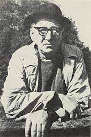 Kirjailijan kuva. Photo of Kavanagh frontispiece from Poems