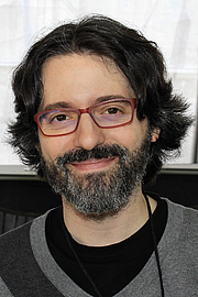 """Fotografia de autor. Author Andrés Neuman at the 2016 Texas Book Festival. By Larry D. Moore, CC BY-SA 4.0, <a href=""""https://commons.wikimedia.org/w/index.php?curid=53513025"""" rel=""""nofollow"""" target=""""_top"""">https://commons.wikimedia.org/w/index.php?curid=53513025</a>"""