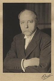 Forfatter foto. Sir William Robertson Nicoll - by Emil Otto ('E.O.') Hoppe November 1913