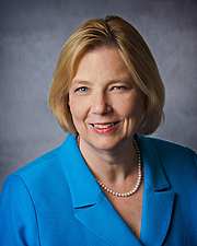 """Forfatter foto. Mary Lou Sole, PhD, RN, CCNS, CNL, FAAN, FCCM (photograph from <a href=""""http://www.nursing.ucf.edu/faculty/bio/sole.asp"""" rel=""""nofollow"""" target=""""_top"""">here</a>)"""