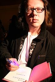 Författarporträtt. Photo credit: Mika Keränen