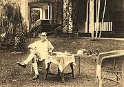 Författarporträtt. Edred John Henry Corner at Singapore Botanical Garden, during the Japanese occupation