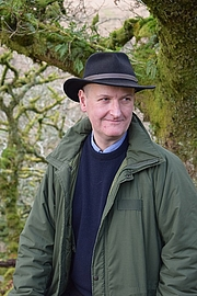 Författarporträtt. Dr Ian Mortimer at Wistman's Wood, Devon