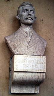 Foto do autor. Bust of Géza Gárdonyi, Szeged, Hungary.  Photo by user Csanády / Wikimedia Commons.