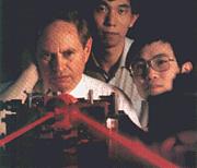 Forfatter foto. Leonard Mandel (left)