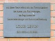 Foto do autor. Memorial plaque, Louis Lewin, Ziegelstraße 5, Berlin-Mitte, Germany