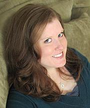 Kirjailijan kuva. Anna Lee Huber