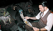 Forfatter foto. Gris Grimly reading Grimericks to the monsters of Netherworld Haunted House.