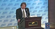 """Forfatter foto. Joseph Bottum Delivering the Bradley Lecture at the American Enterprise Institute, 2014 By josephbottum.com - <a href=""""http://www.josephbottum.com/photos.html"""" rel=""""nofollow"""" target=""""_top"""">http://www.josephbottum.com/photos.html</a>, CC BY 3.0, <a href=""""https://commons.wikimedia.org/w/index.php?curid=32349469"""" rel=""""nofollow"""" target=""""_top"""">https://commons.wikimedia.org/w/index.php?curid=32349469</a>"""