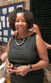"Författarporträtt. Ruby Bridges Hall speaking at Algiers Point temporary branch library, New Orleans. By Infrogmation of New Orleans - Photo by Infrogmation (talk) of New Orleans, CC BY-SA 3.0, <a href=""//commons.wikimedia.org/w/index.php?curid=11558170"" rel=""nofollow"" target=""_top"">https://commons.wikimedia.org/w/index.php?curid=11558170</a>"