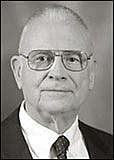 Foto del autor. Photo of 9-11 Vice Chair Lee Hamilton. from http://www.9-11commission.gov/about/bio_hamilton.htm