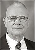 Foto auteur. Photo of 9-11 Vice Chair Lee Hamilton. from http://www.9-11commission.gov/about/bio_hamilton.htm
