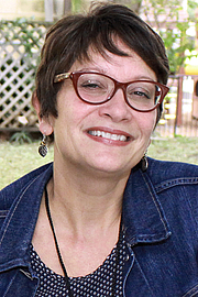 """Foto de l'autor. Author Meg Medina at the 2016 Texas Book Festival. By Larry D. Moore, CC BY-SA 4.0, <a href=""""https://commons.wikimedia.org/w/index.php?curid=52939750"""" rel=""""nofollow"""" target=""""_top"""">https://commons.wikimedia.org/w/index.php?curid=52939750</a>"""