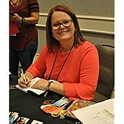 Foto do autor. via Amazon.com