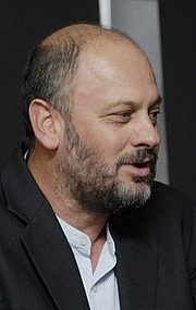 Foto do autor. Uploaded from Tim Flannery's wikipedia page 10 Nov 2012