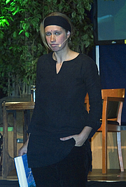 Författarporträtt. Photo by Hans Peter Schaefer / Wikimedia Commons.