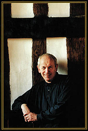 Kirjailijan kuva. Richard Haughton
