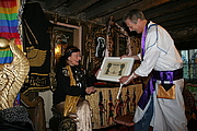 Forfatter foto. Lady Olivia Robertson is conferred as an Honorary Ascendi of the Ascension Of Isis by Reverend David de Roeck at the Temple Of Isis, Clonegal Castle, Carlow, Ireland