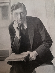 Forfatter foto. Photo from 1945 (Poetry since 1939, British Council)