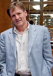 """Photo de l'auteur(-trice). Michael Lewis, author of the best-sellers Moneyball, The New, New Thing, Liar's Poker, and others at a Hudson Union Society event in 200. Photo by Justin Hoch at <a href=""""http://www.jhoch.com"""" rel=""""nofollow"""" target=""""_top"""">http://www.jhoch.com</a>"""