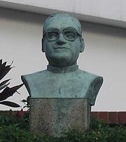 Foto do autor. Bust of Óscar Romero, San Salvador. Photo by user Zuma / Wikipedia.