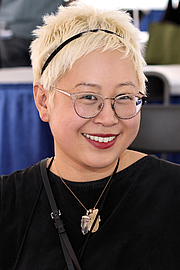 """Fotografia de autor. Author Esmé Weijun Wang at the 2018 Texas Book Festival in Austin, Texas, United States. By Larry D. Moore - Own work, CC BY-SA 4.0, <a href=""""https://commons.wikimedia.org/w/index.php?curid=74052744"""" rel=""""nofollow"""" target=""""_top"""">https://commons.wikimedia.org/w/index.php?curid=74052744</a>"""