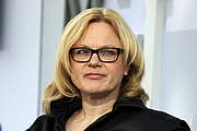 """Foto do autor. Karen Duve at Leipzig Book Fair 2016 By Heike Huslage-Koch - Own work, CC BY-SA 4.0, <a href=""""https://commons.wikimedia.org/w/index.php?curid=47685478"""" rel=""""nofollow"""" target=""""_top"""">https://commons.wikimedia.org/w/index.php?curid=47685478</a>"""
