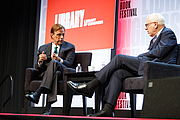 Forfatter foto. Michael Beschloss speaks with David Rubenstein at the National Book Festival, August 31, 2019. Photo by Shawn Miller/Library of Congress.