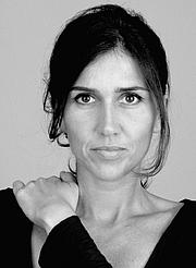 """Foto del autor. Patricia Geis <a href=""""https://familiasenruta.com/fnr-recursos/libros-fnr/coleccion-ninos-y-ninas-del-mundo/attachment/patricia-geis/"""" rel=""""nofollow"""" target=""""_top""""></a><a href=""""https://familiasenruta.com/fnr-recursos/libros-fnr/coleccion-ninos-y-ninas-del-mundo/attachment/patricia-geis/"""" rel=""""nofollow"""" target=""""_top"""">https://familiasenruta.com/fnr-recursos/libros-fnr/coleccion-ninos-y-ninas-del-mundo/attachment/patricia-geis/</a>"""