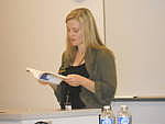 Autoren-Bild. Reading from You Know When the Men Are Gone at the War Literature and the Arts Conference, Air Force Academy, CO