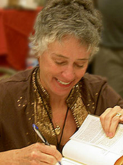 Foto do autor. Signing books at the 2006 Bouchercon World Mystery Convention in Madison, Wisconsin / Photo by Oldbeeg